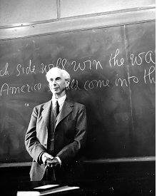 https://chanlysuthat.files.wordpress.com/2011/07/bertrandrussell-on-blackboard.jpg?w=220
